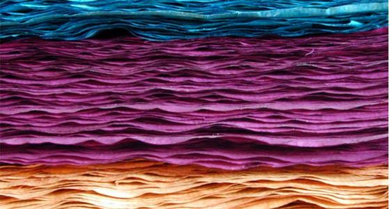 papel hecho a mano de colores